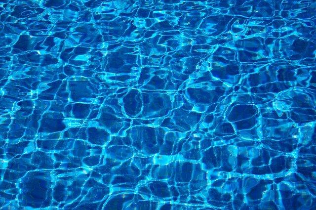 jak pływać na basenie